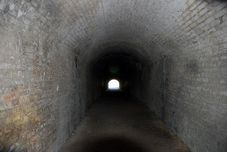 Light_at_the_end_of_the_tunnel_